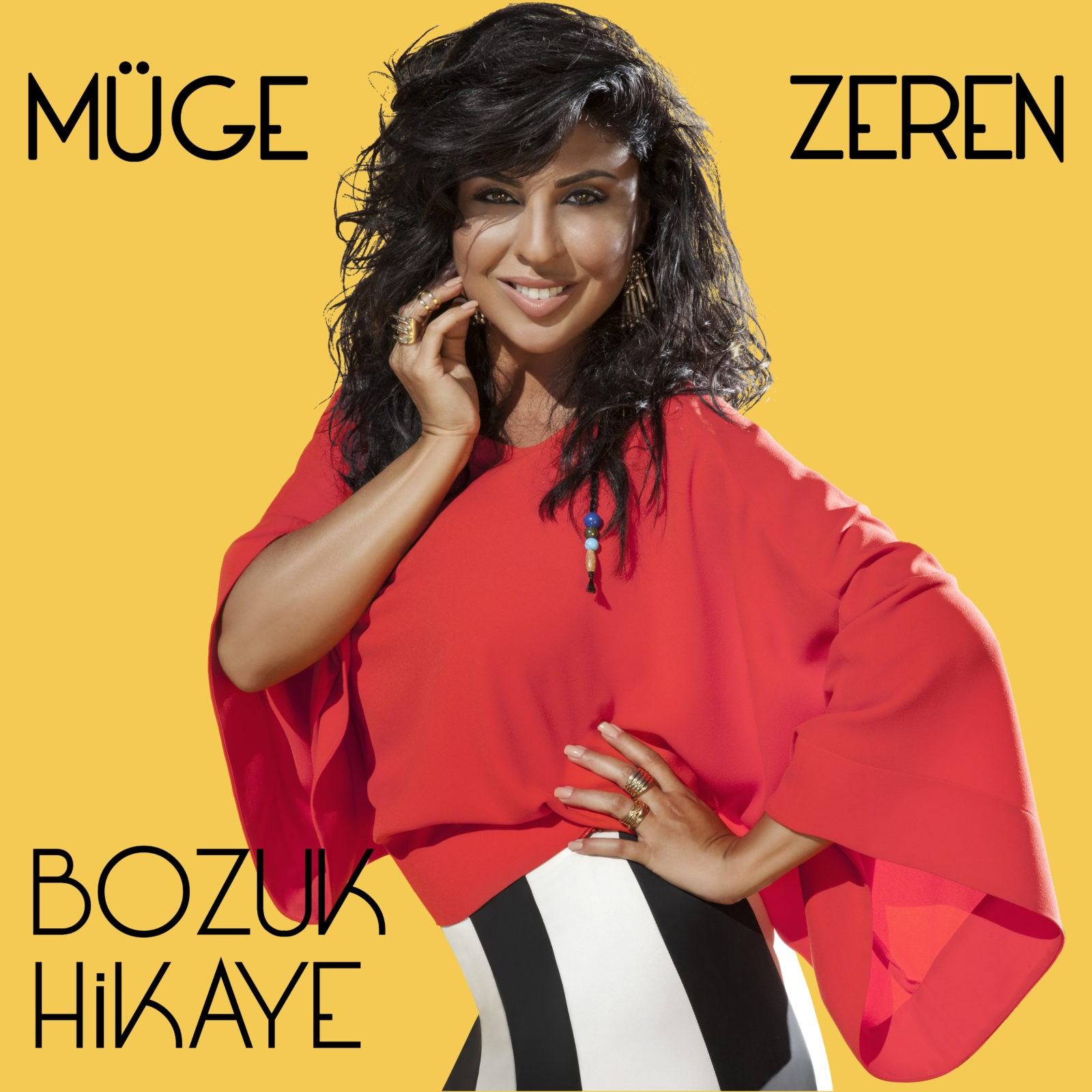 """MÜGE ZEREN'DEN  YENİ SINGLE  """"BOZUK HİKAYE"""""""
